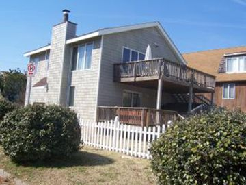 Lovely Beach Home One Block from Oceanfront
