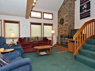 Photo for Cozy Comfortable, Fabulous amenities and close to all the attractions!