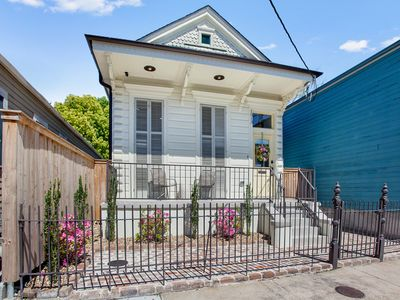 Photo for Charming home just steps from the French quarter and street car