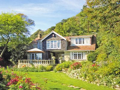 Photo for 4 bedroom Cottage in Bonchurch - IC123