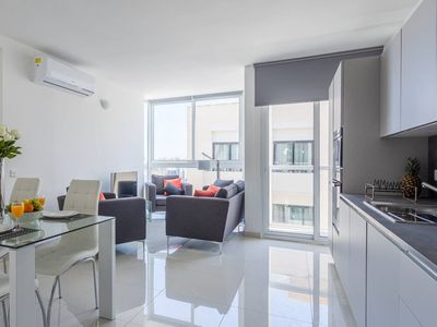 In the Heart of Saint Julian's with Views of Spinola Bay - Spacious 3BR Flat