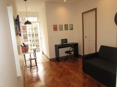 Photo for Comfortable and well located living room and bedroom for up to 4 guests in Copacabana
