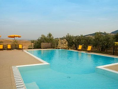 Photo for Apartment for 6 persons in farmhouse with pool and restaurant
