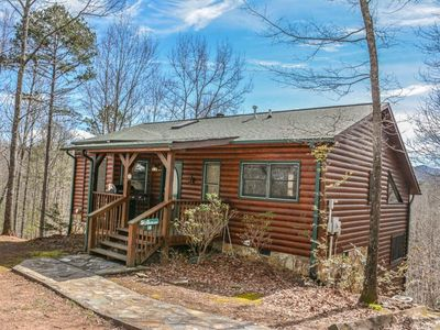 Photo for 3BR/3BA, Sleeps 6, Breathtaking Mountain Views, Wood Burning Fireplace, Indoor Hot Tub, Pet Friendly