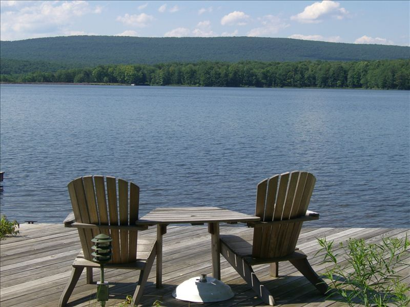 Lakefront pontoon boat hottub billiards f vrbo for Pocono rental with private swimming pool