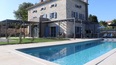 Photo for Beautiful villa near Tinjan with a private pool