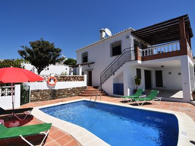 Photo for Peaceful countryside villa with sea view and private pool