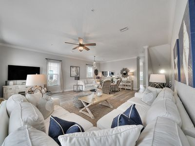 Photo for Gorgeous Town House in Gulf Place! Steps from Shopping, Dining, & Community Pool!