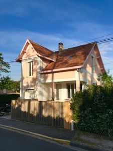 Photo for Character house in the heart of Lacanau Océan