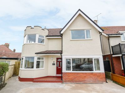 Photo for ROMA, pet friendly, with a garden in Rhos-On-Sea, Ref 936430