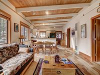 Clean, comfortable, perfectly designed for a cabin in the woods with all the modern conveniences