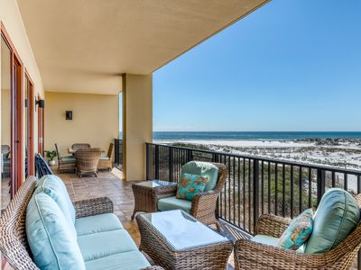 Photo for Luxurious beachfront condo with shared pool, private balcony, & wet bar!