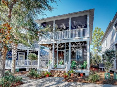 Photo for Airy home w/ porch, patio & shared hot tub - blocks to the Gulf of Mexico!