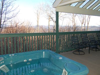 Photo for 4 bedroom Trailside Townhouse with private hot tub, Sleeps 10.