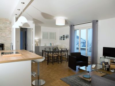 Photo for Cottage Good Friends DIJON downtown. 70 m², 6 people Large south terrace, parking.