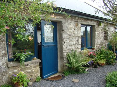 Welcome to 'Druid Cottage' a small open plan studio on peaceful scenic hillside