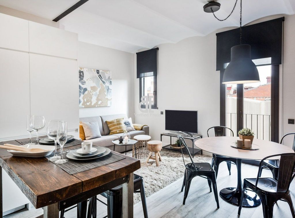 Be Apartment - Beautiful luxury apartment located in the historic center of  the Sants district. 1 bedroom and 1 bathroom in New York style. - La ...