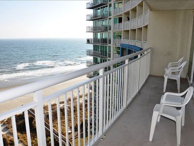 Oceanfront Balcony with Amazing Views!