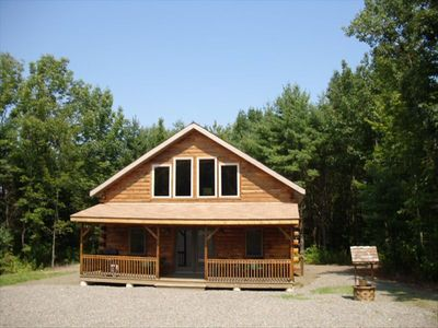 The Pine Lodge-log cabin