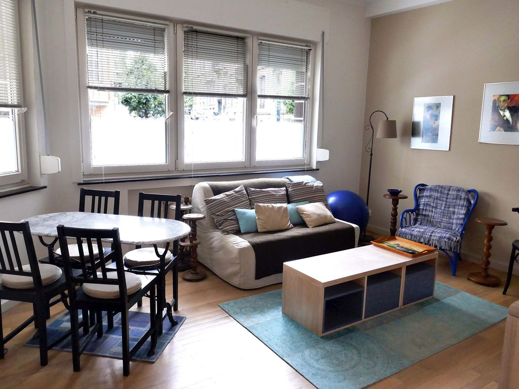 Chic & top located Ixelles. 1BR 50m2 .For professionals;  monthly flexible