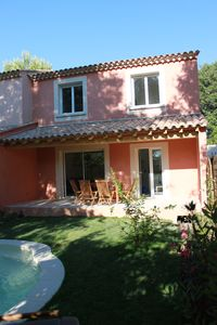 Photo for semi-heated house with pool in Collias near river