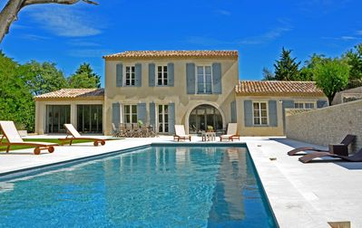 Photo for St Remy de Provence, walking distance from the center, A/C, heated pool