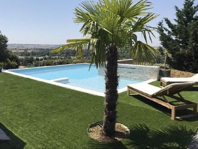 Photo for Magnificent house 240 m2 with swimming pool facing the lake