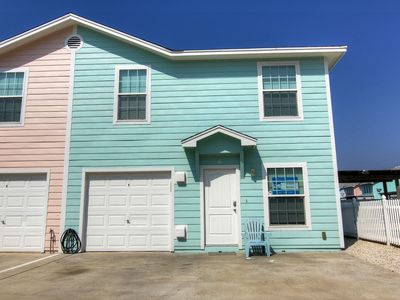 Photo for 4 bedroom 3 baths, community pool and just a short walk to the beach!