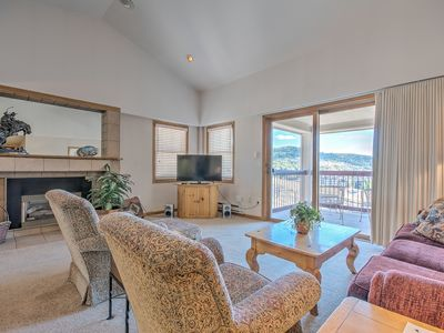 Photo for Best Resort & Mountain Views-Top Floor Home w Central A/C -Restaurants/Pool/HTs-