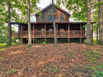 Cozy 4 bdrm cabin -  2 Miles From Fall Creek Falls