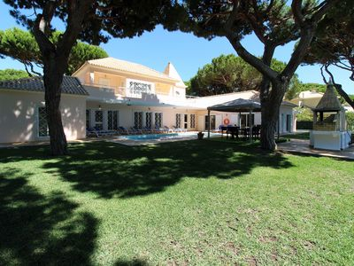 Photo for 7 Bedrooms, 8 WC, A / C, Cable TV, Wifi, Private Pool, Garden, BBQ, Billiards