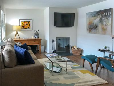 Contemporary art and photos in all rooms