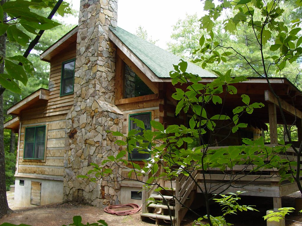 cabins wolf image cabin overlooking secluded gb hotel of this log us boone property near en gallery creek nc