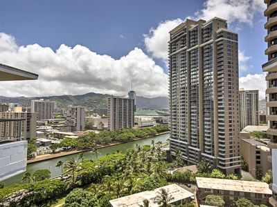Photo for Updated Honolulu Condo w/ Ocean View - Near Beach!