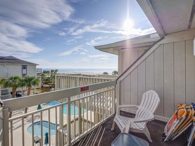 Photo for 318 Breakers, Ocean Views, Free Bikes, Beach Getaway