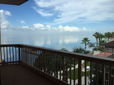 Beautiful Bayfront Condo, Bring Your Boat & Skis And Have Fun!