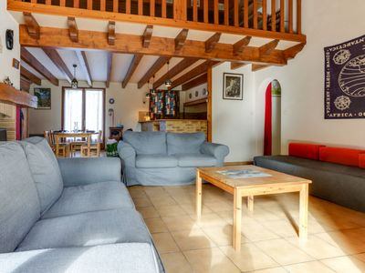 Photo for 3 bedroom Villa, sleeps 6 in Le Moutchic with Pool