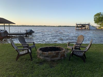 Lakehouse with optional boat rental!  Beautiful home, wide open water!