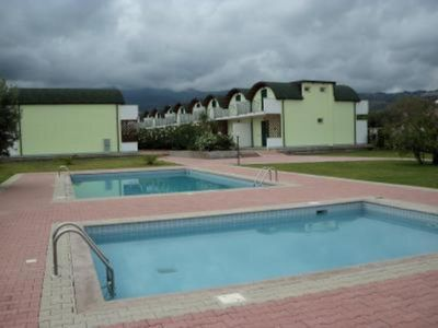 Private Complex 5 min  walk from beach 24 houses share 2 pools and and  gardens - Isca Marina