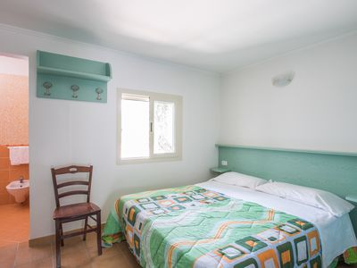 Photo for Mono 2-5 beds in Vieste with pool and parking near the sea