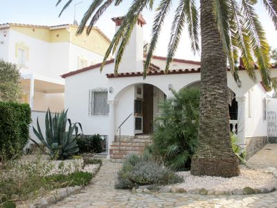Photo for Vacation home Ebre (AMP278) in Empuriabrava - 4 persons, 2 bedrooms