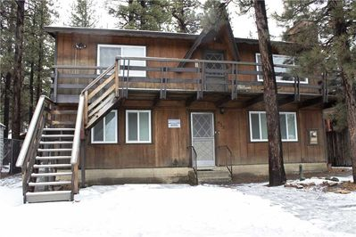 Snow covered Big Bear Cool Cabins, Bearly Rustic A front