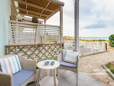 Photo for Sea view, sea front, a / c, wifi, parking
