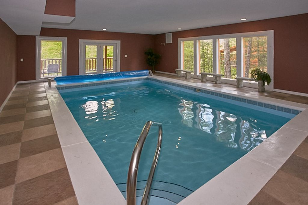 Ultimate Family Vacation Cabin   Indoor Pool, Theater, Game Room