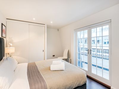 Photo for 3BR FLAT FOR 6 - FLAT 5 - THE SOUTH KENSINGTON COLLECTION
