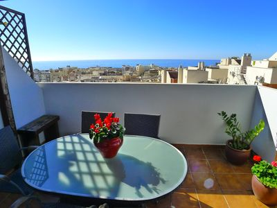 Photo for Holiday penthouse apartment with roof top jacuzzi - WIFI - air conditioning