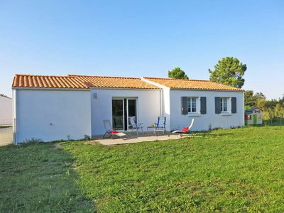 Photo for Vacation home Le Canal  in St. Georges d'Oléron, Charente - Maritime - 6 persons, 3 bedrooms