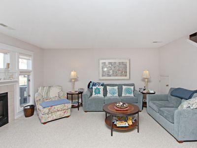 55011 Pineview Road, Sea Colony West - Living Room