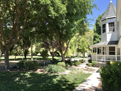 Photo for Paradise Ranch! 8 bed/ 7 bath sleeps up to 24! Perfect for family reunions