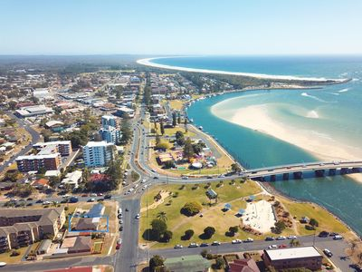 Tuncurry view with house